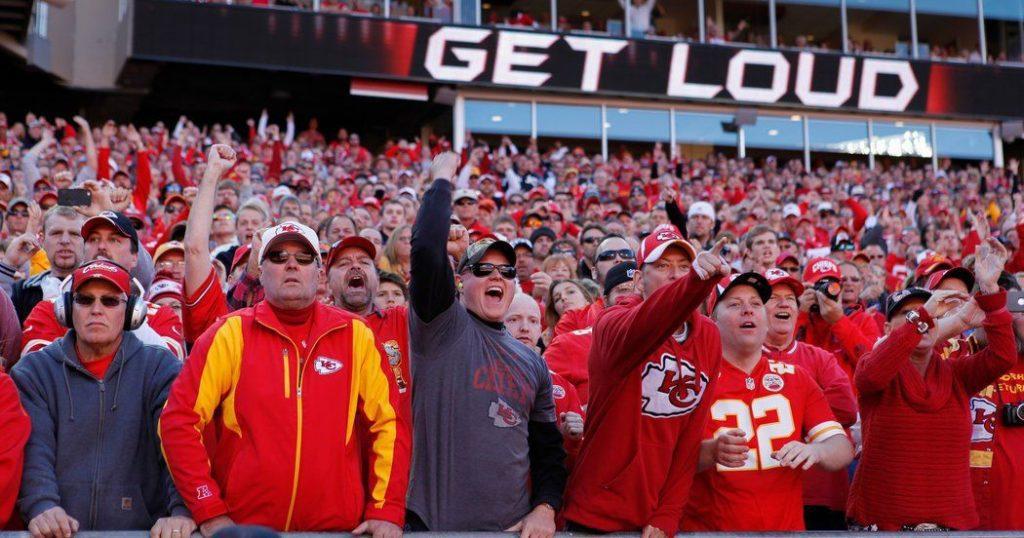noisy football fans like noisy content marketing